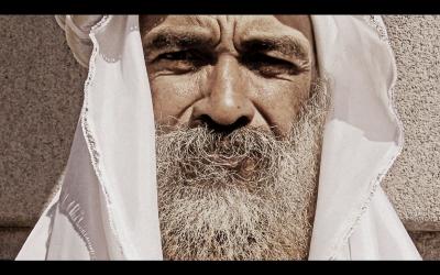 Kijk! Een moslimman met een baard! Ren voor je leven!