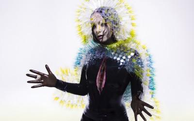 Björk trekt eindelijk haar mond open over seksisme in de muziekindustrie
