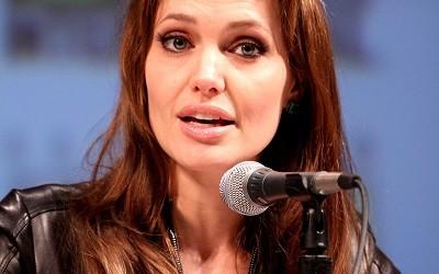 Angelina Jolie in overgang na verwijderen eierstokken